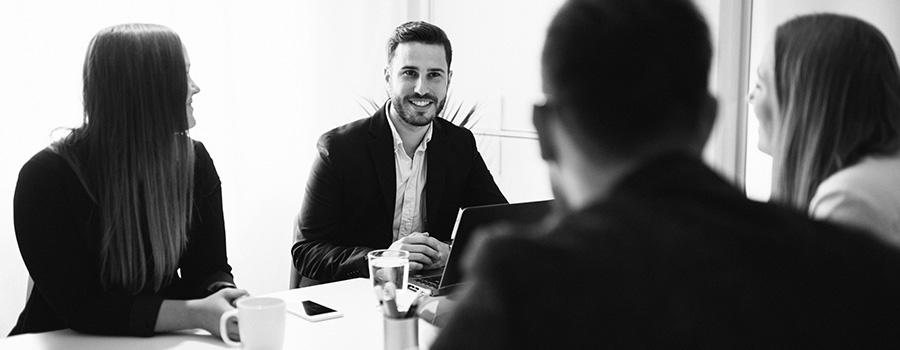 Ants Code at Heart hjälper våra kunder med strategiska frågor om hur man organiserar utvecklingsavdelningar och har en god inblick i vad som definierar en bra organisation för att behålla utvecklare.